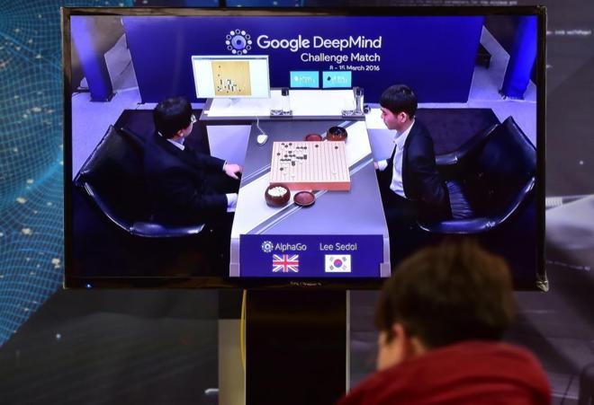 La inteligencia artificial de Google vence al mejor jugador de 'go' en su primera batalla máquina contra hombre